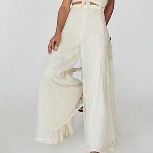 NWT FREE PEOPLE LACE BELL BOTTOM 4